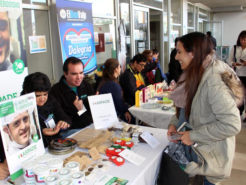 Feria de Autogestión y Emprendimiento Inclusivo de Santo Tomás Viña del Mar se consolida como un aporte a la comunidad regional